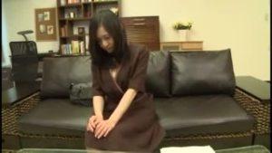 五十路(50代)のセックスレス清楚系奥様がAV出演手マンで豹変ハメ撮りセックス狂乱昇天顔謝!