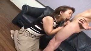 六十路(60代)の高齢熟女おばさんがAV出演若者二人と3Pハメ撮りセックス狂乱絶頂中出し!